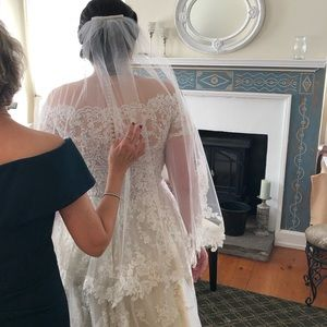 Lace Wedding Veil Fingertip Length